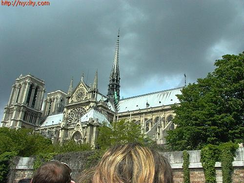 Upload:Paris08.jpg