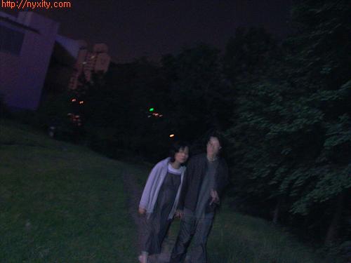 Upload:walking1.jpg